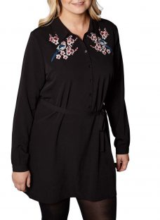 Yumi Curves Blossom Embroidered Tunic Dress